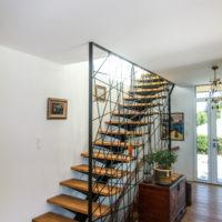 Escalier métal bois résille