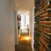 couloir avec brique intérieur